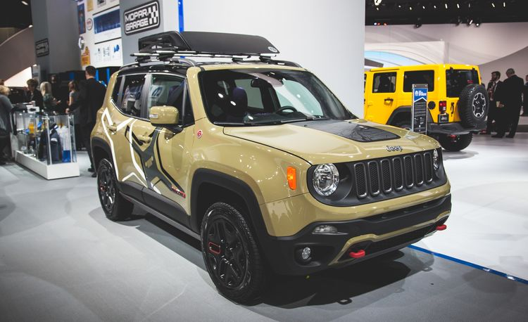 Jeep Goes Commando in Motor City with Two Mopar-Equipped Renegades