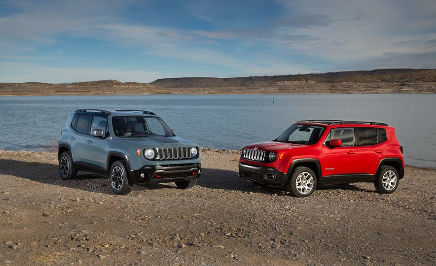 2015 Jeep Renegade Trailhawk and Latitude Models - Slide 1