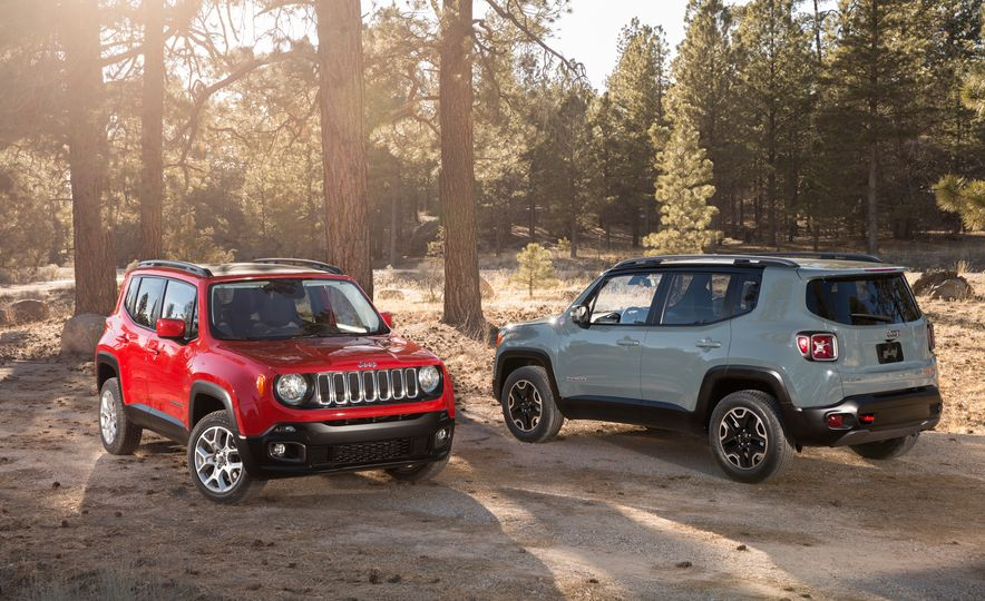 2015 Jeep Renegade Trailhawk and Latitude Models - Slide 3