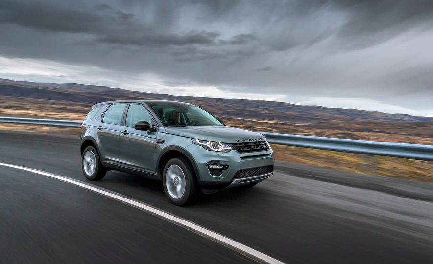 2015 Land Rover Discovery Sport - Slide 1