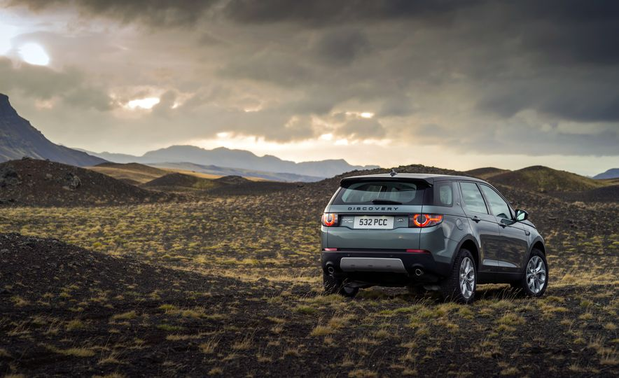 2015 Land Rover Discovery Sport - Slide 4