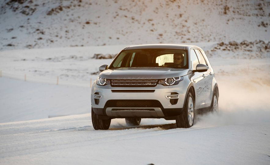 2015 Land Rover Discovery Sport - Slide 9