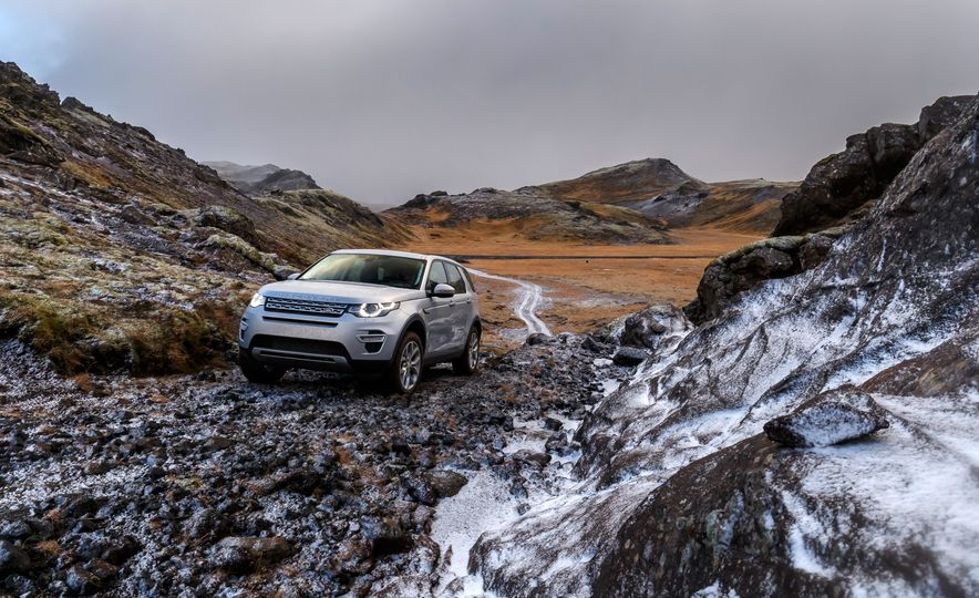 2015 Land Rover Discovery Sport - Slide 12