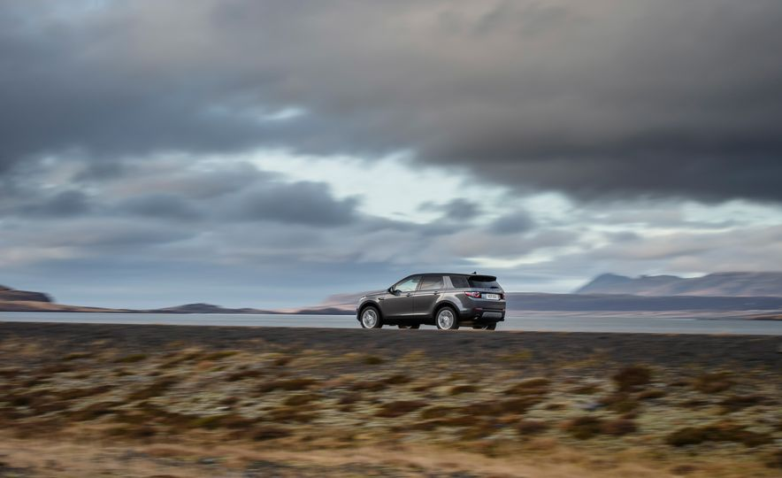 2015 Land Rover Discovery Sport - Slide 14