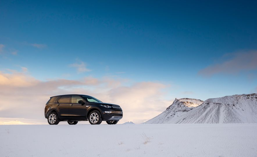 2015 Land Rover Discovery Sport - Slide 23