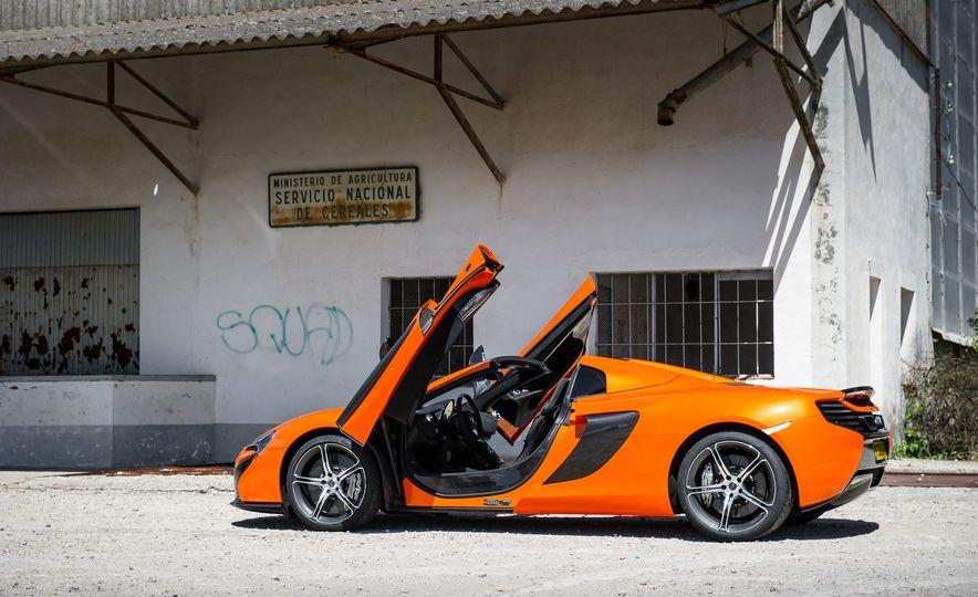 2015 McLaren 650S Le Mans Edition - Slide 23