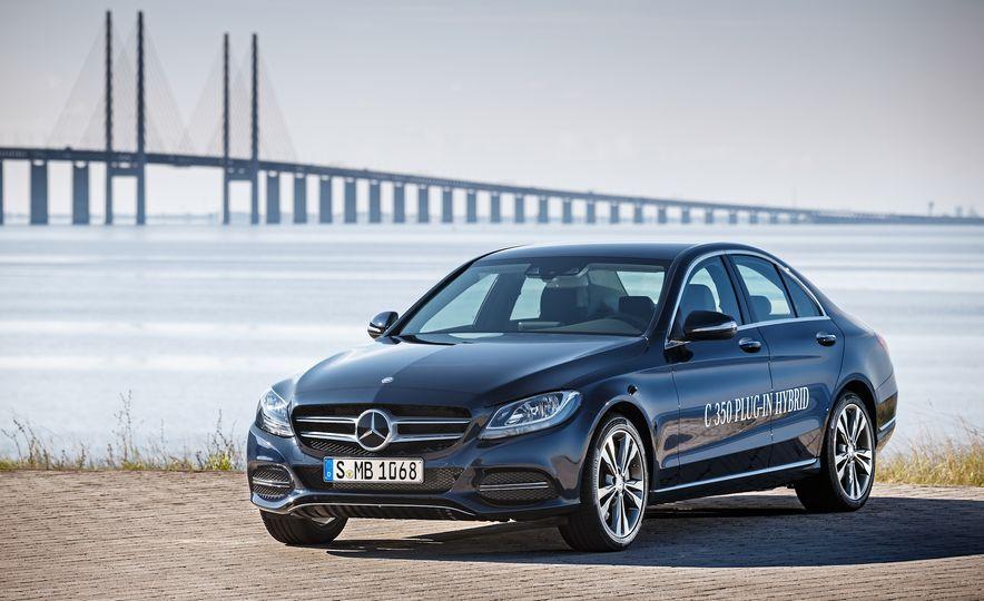 2015 Mercedes-Benz C350e plug-in hybrid - Slide 8