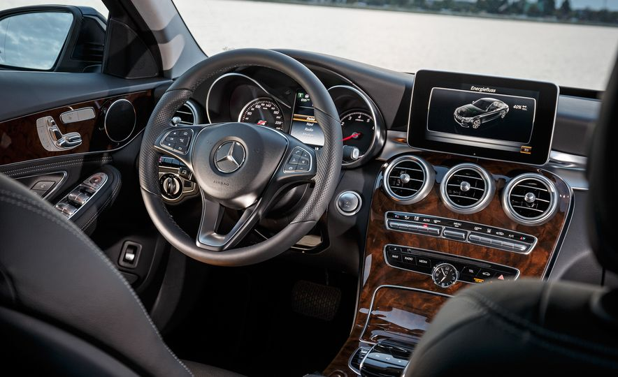 2015 Mercedes-Benz C350e plug-in hybrid - Slide 14