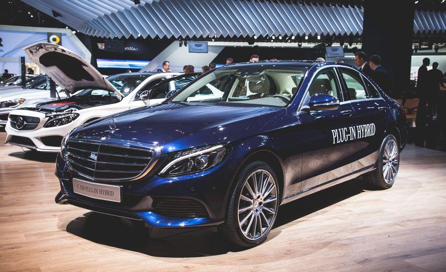 2015 Mercedes-Benz C350e plug-in hybrid - Slide 1