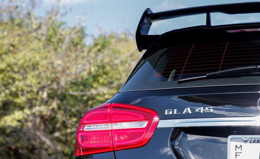 2015 Mercedes-Benz GLA45 AMG - Slide 9