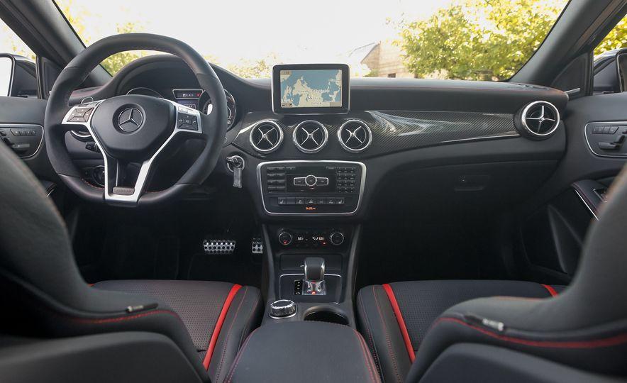 2015 Mercedes-Benz GLA45 AMG - Slide 17