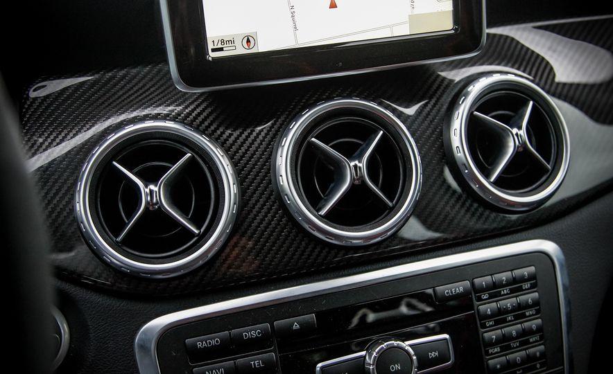2015 Mercedes-Benz GLA45 AMG - Slide 19
