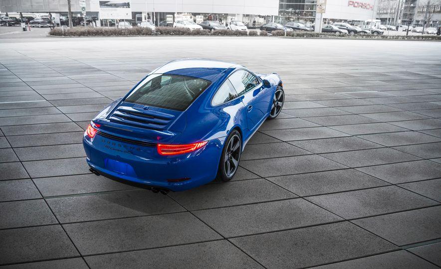2015 Porsche 911 GTS Club Coupe - Slide 5