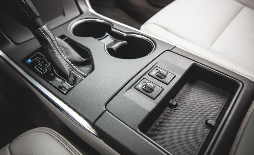 2015 Toyota Camry XLE - Slide 31