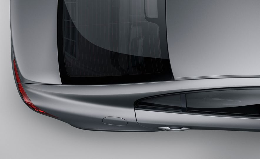 2015 Volvo S60 Cross Country - Slide 12