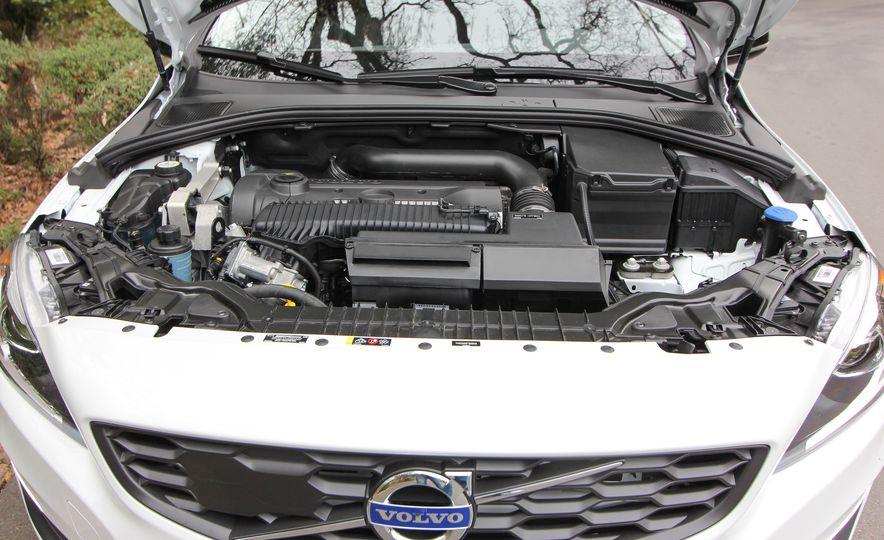 2015 Volvo V60 Cross Country - Slide 46