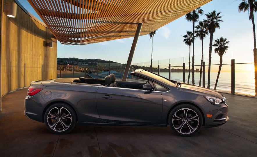 2016 Buick Cascada - Slide 8