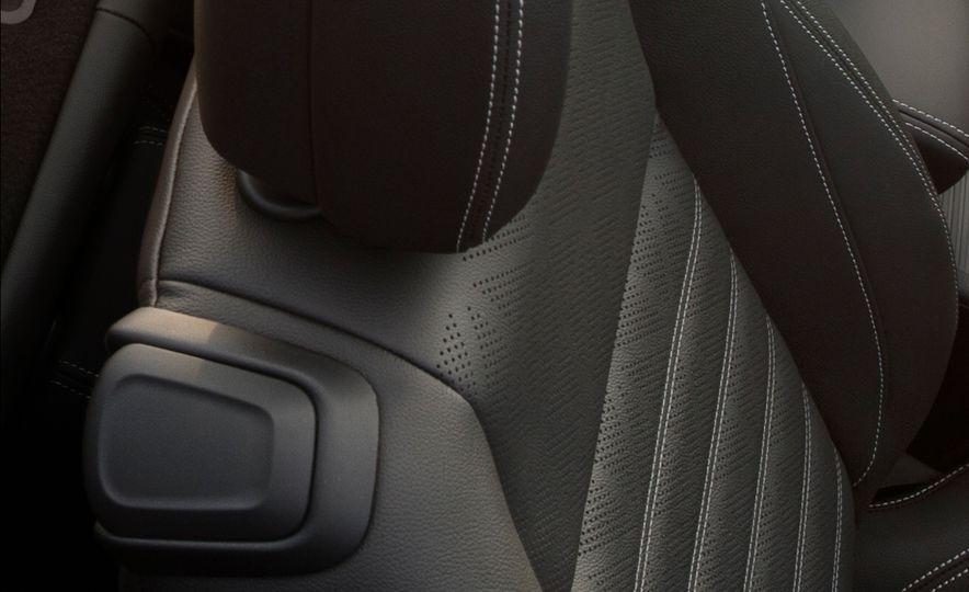 2016 Buick Cascada - Slide 17