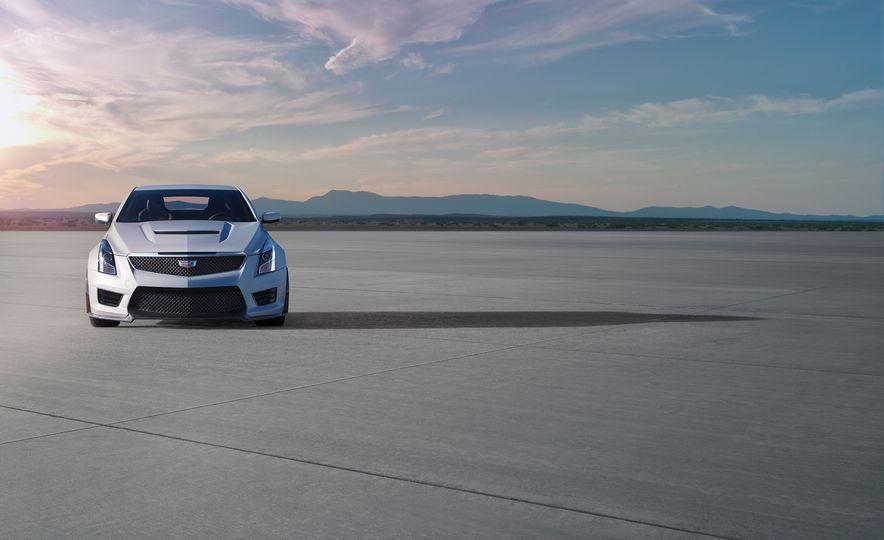 2016 Cadillac ATS-V Coupe - Slide 7
