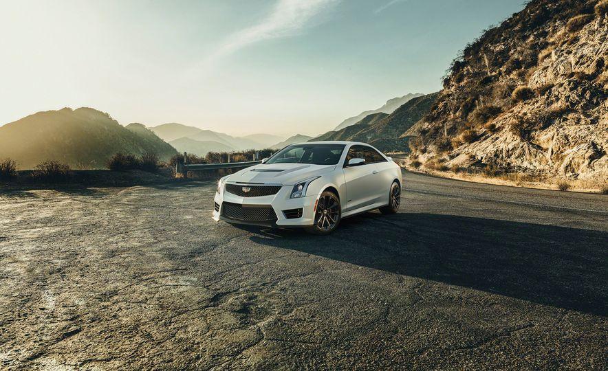 2016 Cadillac ATS-V Coupe - Slide 8