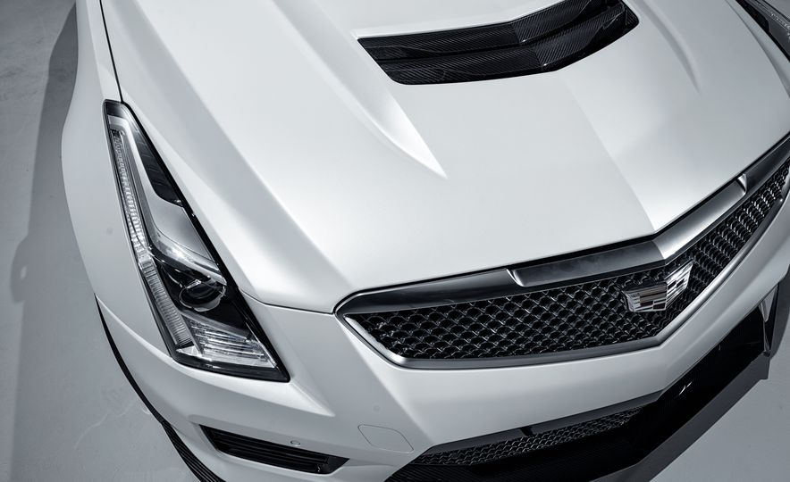 2016 Cadillac ATS-V Coupe - Slide 19