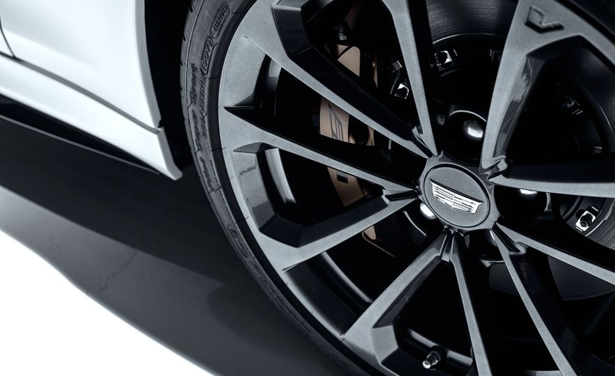 2016 Cadillac ATS-V Coupe - Slide 22