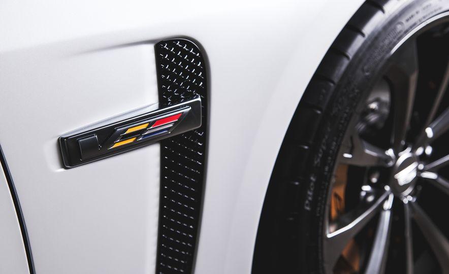 2015 Dodge Charger SRT Hellcat - Slide 29