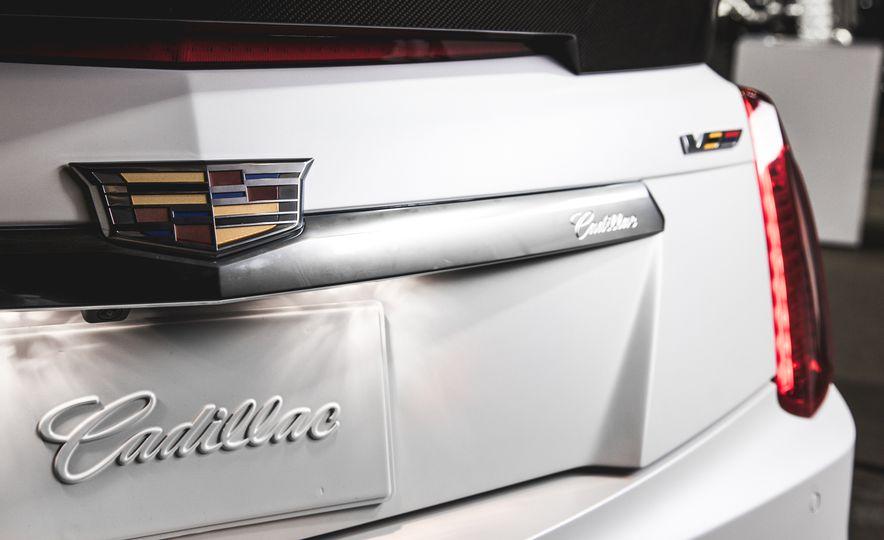2015 Dodge Charger SRT Hellcat - Slide 31