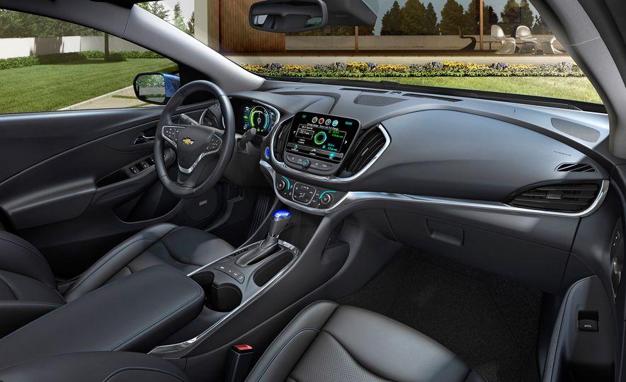 2016 Chevrolet Volt - Slide 15