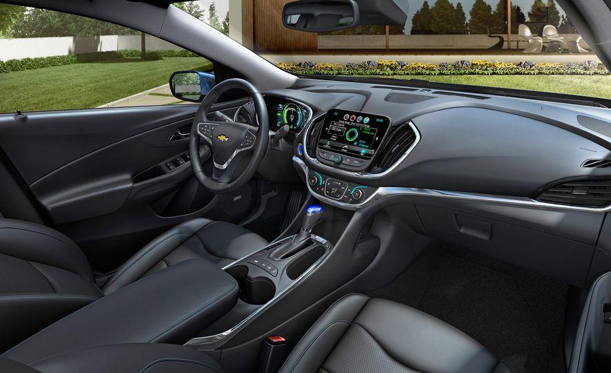 2016 Chevrolet Volt - Slide 16