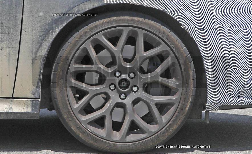 2016 Ford Focus RS - Slide 23