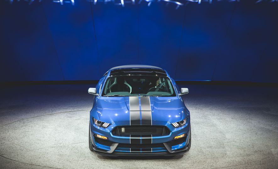 2016 Ford Mustang Shelby GT350R - Slide 20