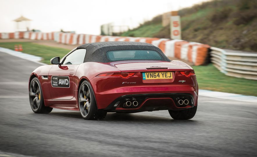 2016 Jaguar F-type roadster AWD (Euro-spec) - Slide 10