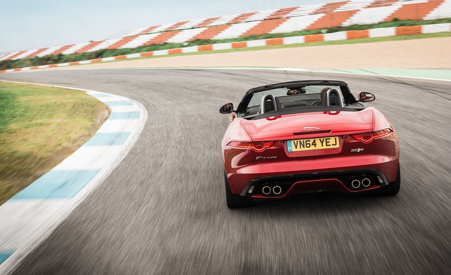 2016 Jaguar F-type roadster AWD (Euro-spec) - Slide 24