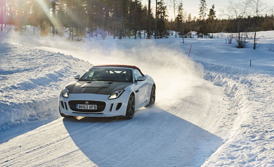 2016 Jaguar F-type roadster AWD (Euro-spec) - Slide 5