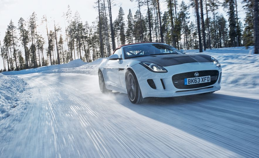 2016 Jaguar F-type roadster AWD (Euro-spec) - Slide 8