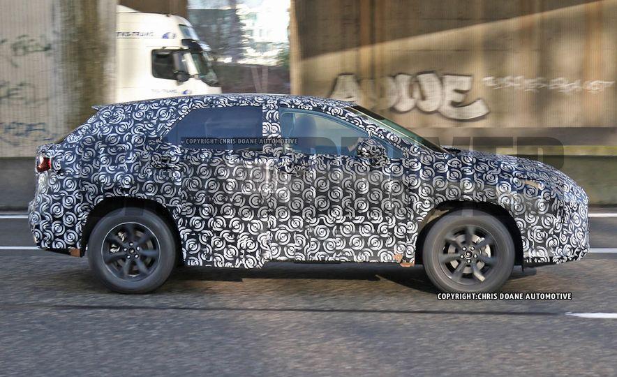 2016 Lexus RX (spy photo) - Slide 3