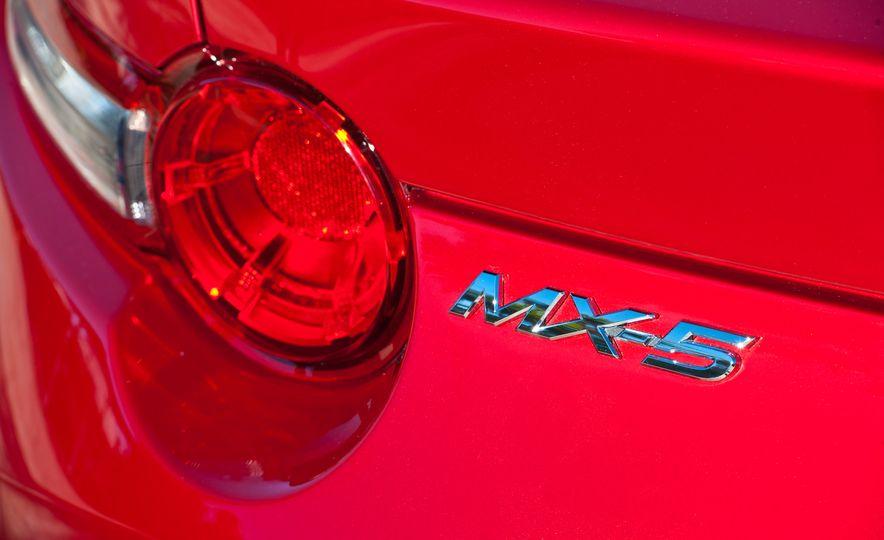2016 Mazda MX-5 Miata (Euro-spec) - Slide 37