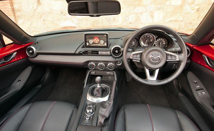 2016 Mazda MX-5 Miata (Euro-spec) - Slide 41