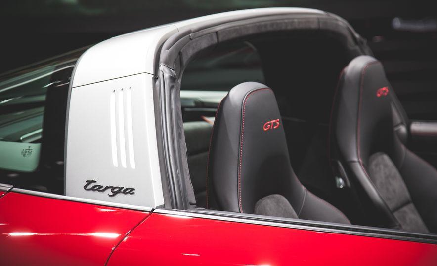 2016 Porsche 911 Targa 4 GTS - Slide 5