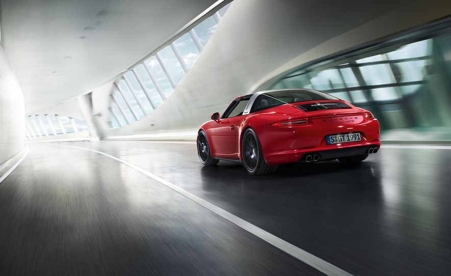 2016 Porsche 911 Targa 4 GTS - Slide 7