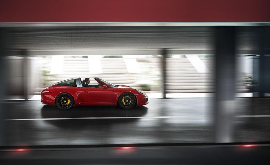 2016 Porsche 911 Targa 4 GTS - Slide 8