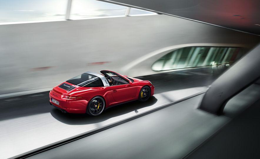 2016 Porsche 911 Targa 4 GTS - Slide 12
