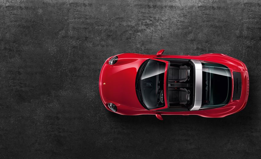 2016 Porsche 911 Targa 4 GTS - Slide 18