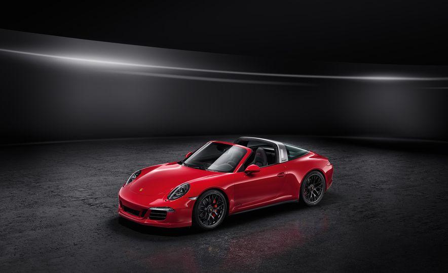 2016 Porsche 911 Targa 4 GTS - Slide 24