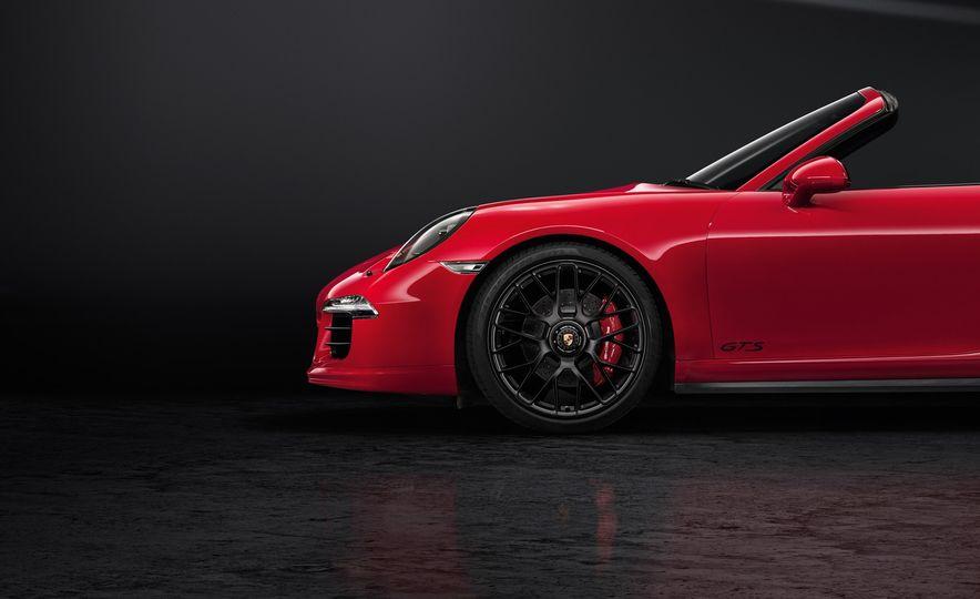 2016 Porsche 911 Targa 4 GTS - Slide 26