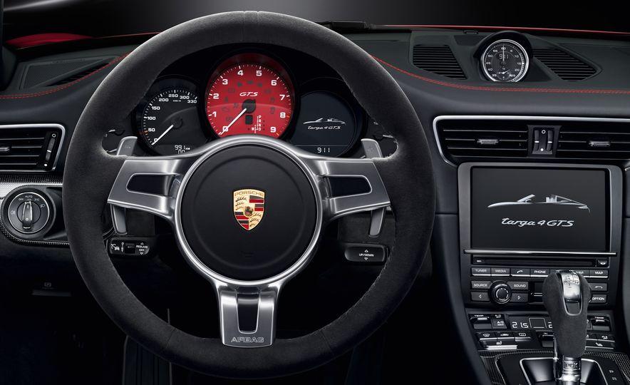 2016 Porsche 911 Targa 4 GTS - Slide 32