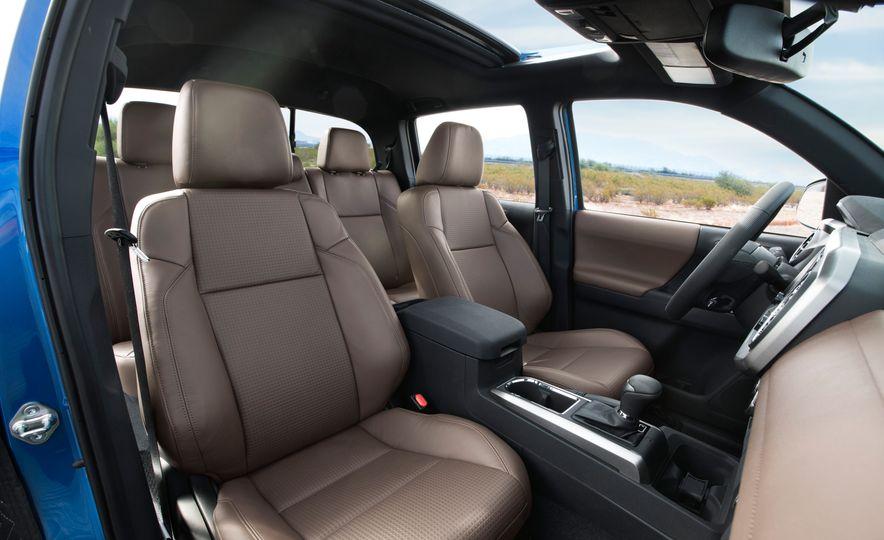 2016 Toyota Tacoma Crew Cab TRD Off Road 4x4 - Slide 31