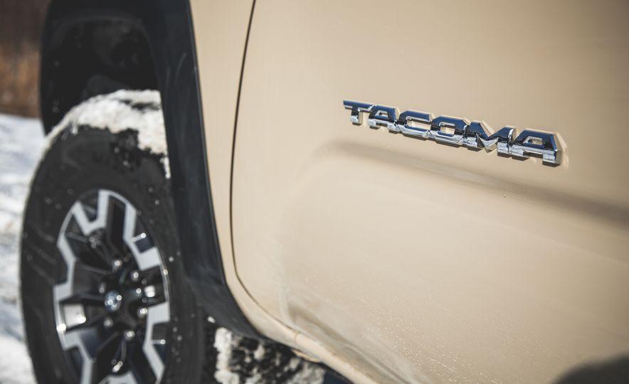 2016 Toyota Tacoma Crew Cab TRD Off Road 4x4 - Slide 19