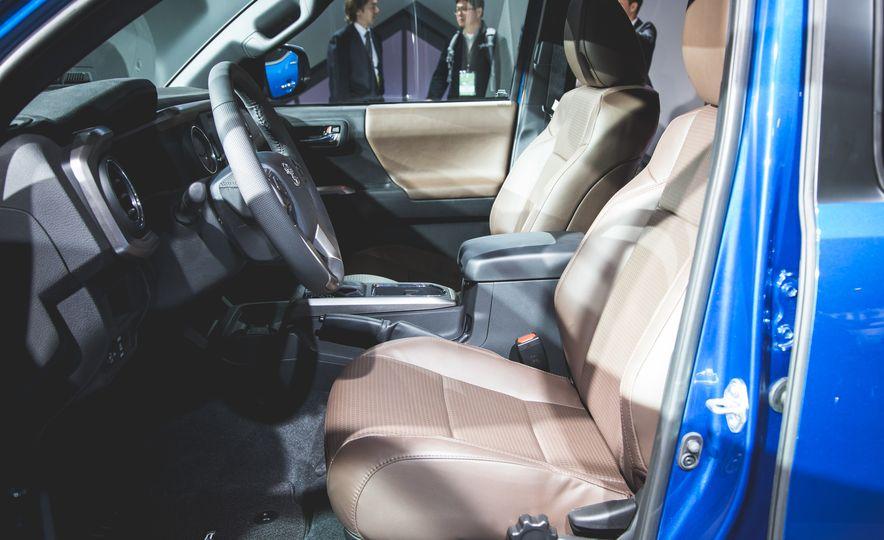 2016 Toyota Tacoma Crew Cab TRD Off Road 4x4 - Slide 7
